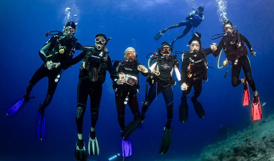 Family Diving with Planet Scuba India