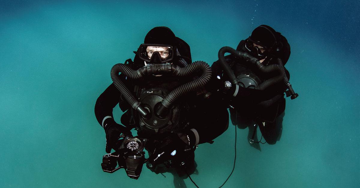 aqua lung military